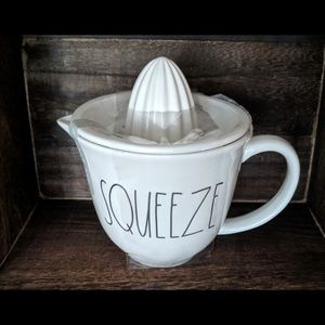 """New~ Rae Dunn """" SQUEEZE"""" Juicer"""